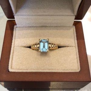 Jewelry - 14kt gold and aquamarine ring